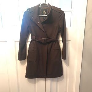 W's Wool/polyester belted trench. Brown. Size M.